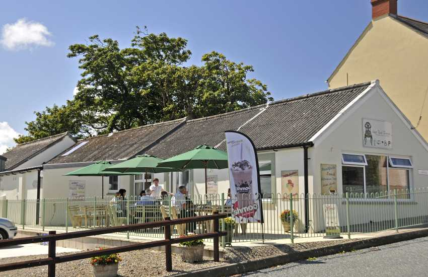 Siop Fach Tearoom in Mathry serves delicious homemade cakes, lunches and afternoon teas