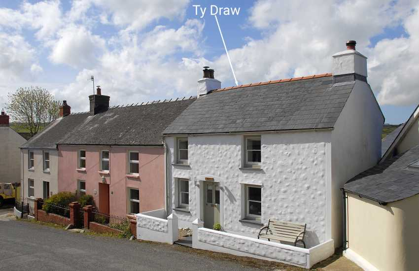 Pembrokeshire coastal holiday cottage - pets welcome