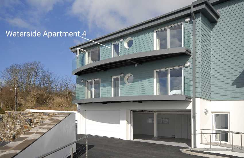 Haven Waterway Pembrokeshire - first floor apartment with balcony and river views