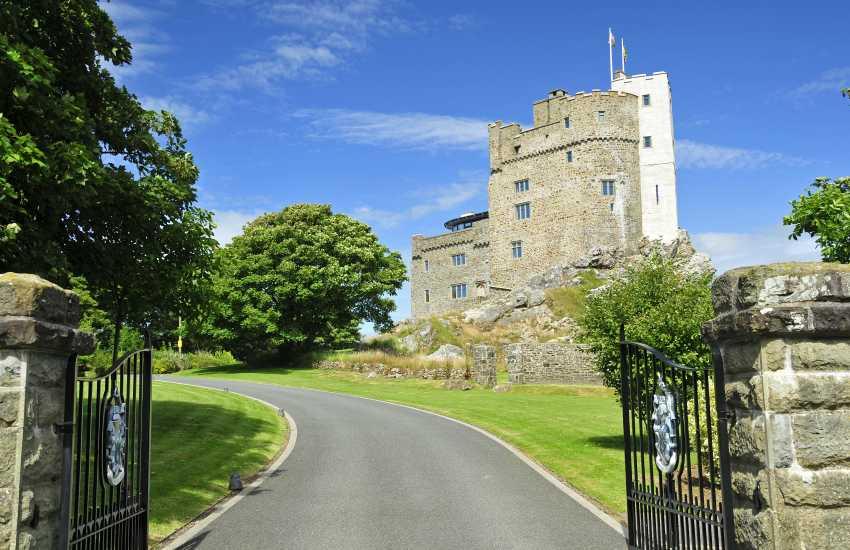 Roch Castle sleeps 12