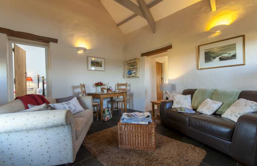Pet friendly Porthgain holiday cottage - open plan living/dining room