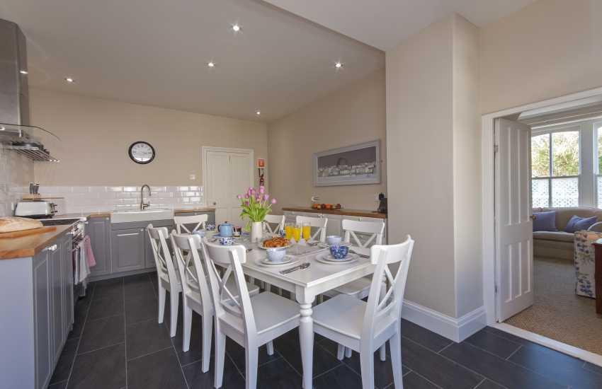 Pembrokeshire Coast National Park holiday cottage - kitchen