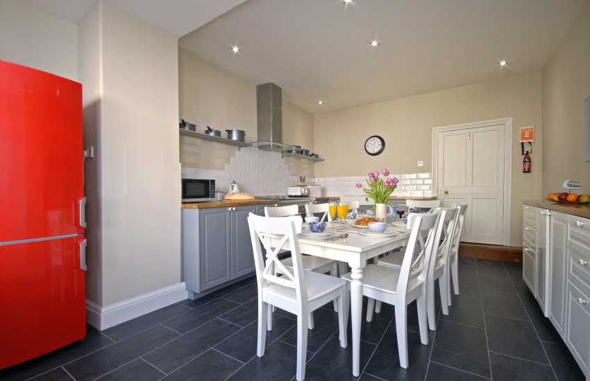 Pembrokeshire cottage holiday - kitchen