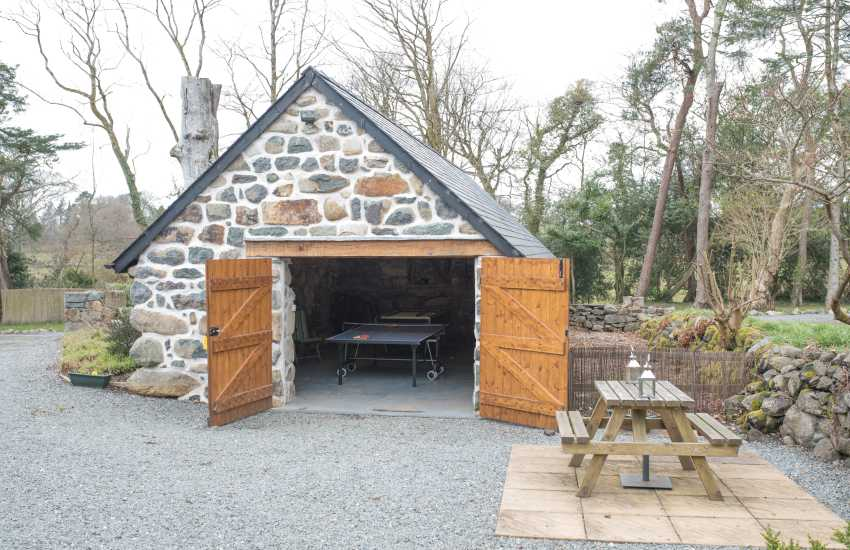 Holiday cottage Criccieth -  games room