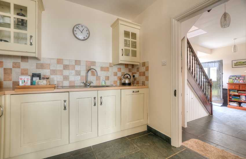 Pet friendly cottage Wales - kitchen