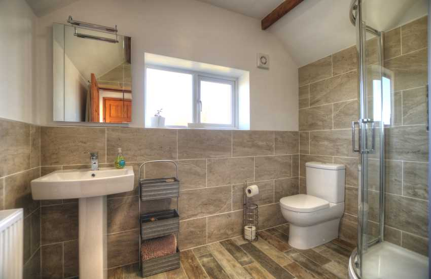 Wales holiday cottage Aberdaron - bathroom