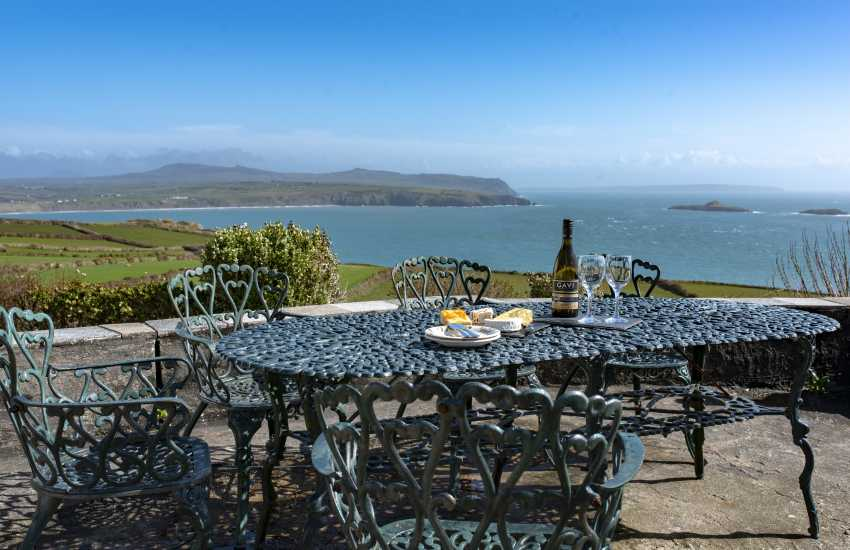 Llyn Peninsula holiday cottage - exterior