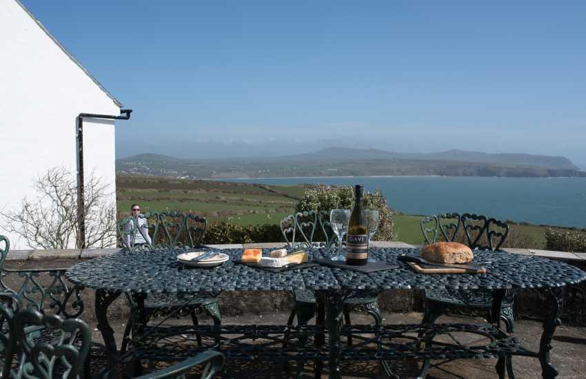 Peninsula holiday cottage - exterior