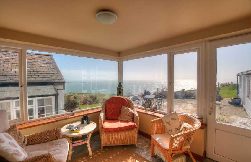 Aberdaron holiday cottage - sunroom