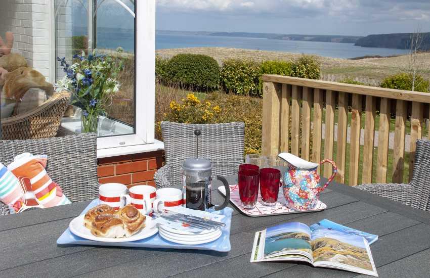 Pembrokeshire coast holiday bungalow with sea views over St Brides Bay