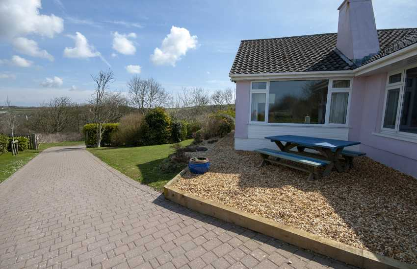 Cliff-top bungalow in Little Haven with large gardens and sea views