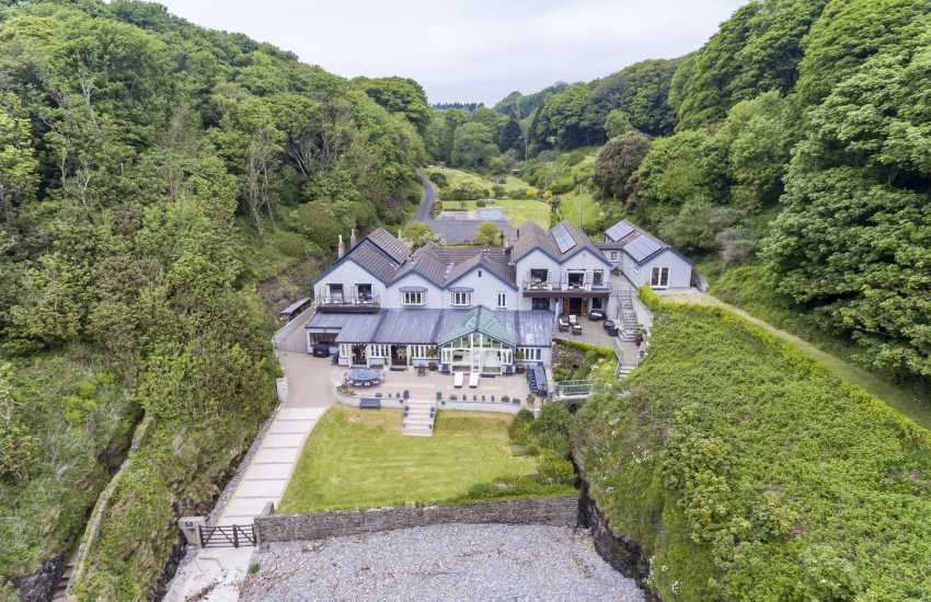 Tenby luxury house for holidays Waterwynch