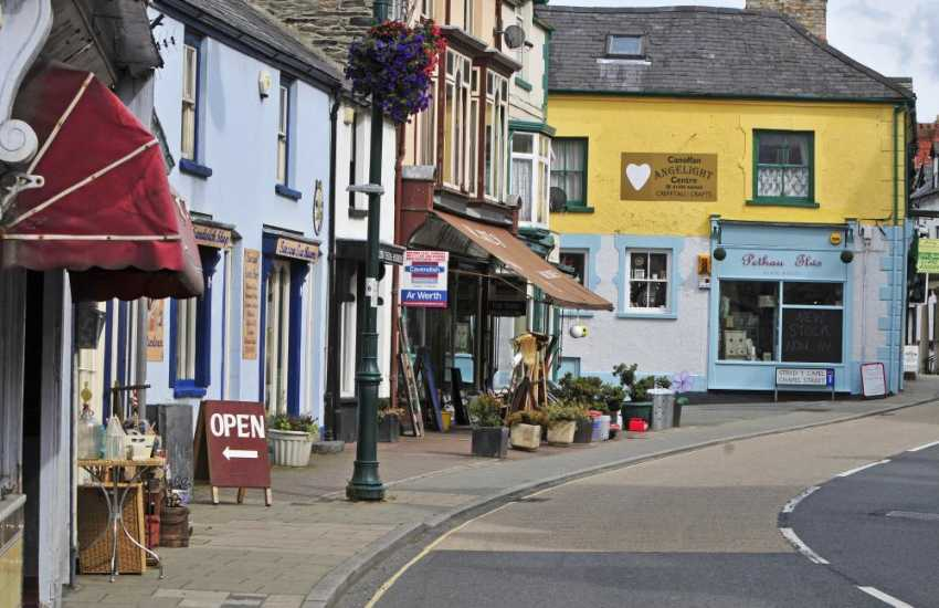 Just 10-minutes' drive to the market town of Corwen