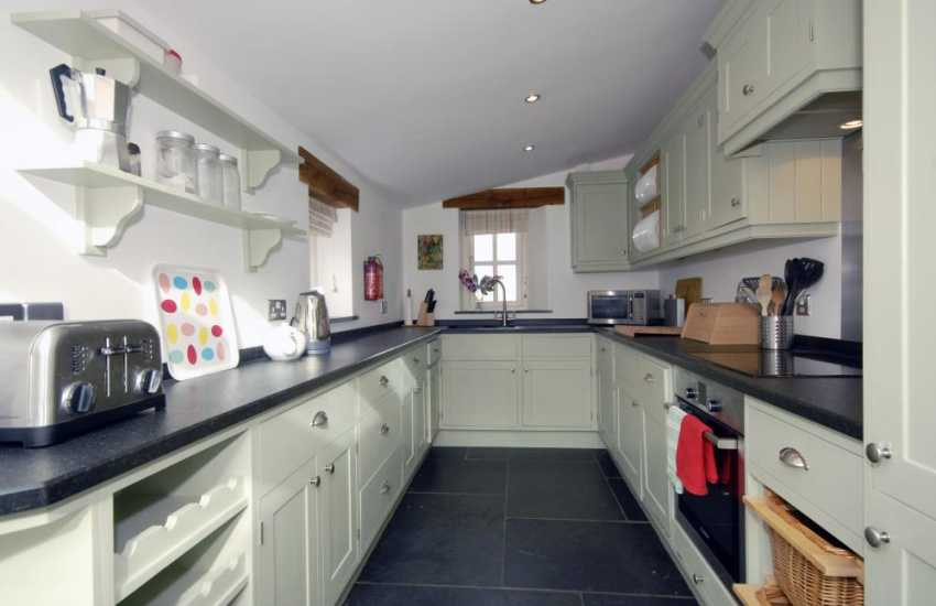 Pembrokeshire self-catering holiday home - luxury fitted kitchen