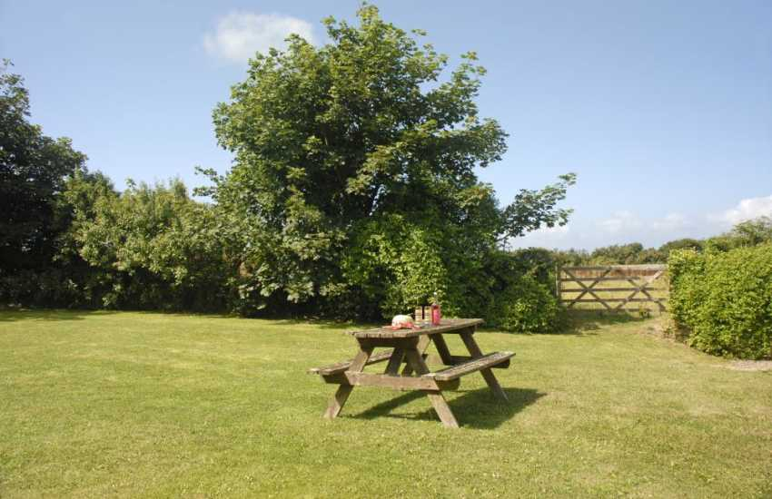 Pembrokeshire self catering cottage Nolton Haven - private sheltered garden