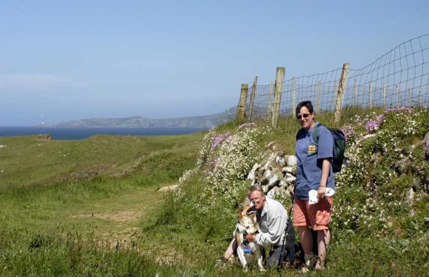 Enjoy fabulous cliff-top walking along The Pembrokeshire Coast Path - pets welcome