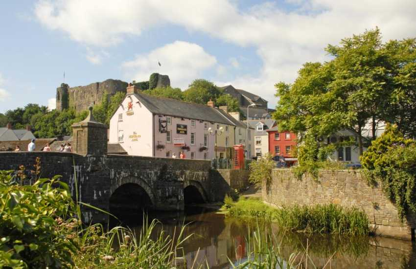 Haverfordwest, the county town, has all on offer- a leisure centre, cinema, pubs, restaurants, individual shops and an excellent Farmers Market held every Friday on the riverside
