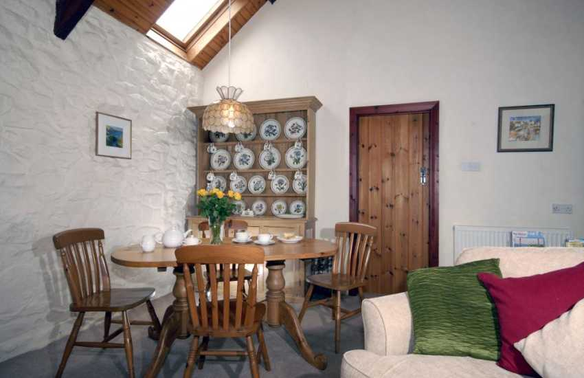 Self catering cottage Pembrokeshire - dining area