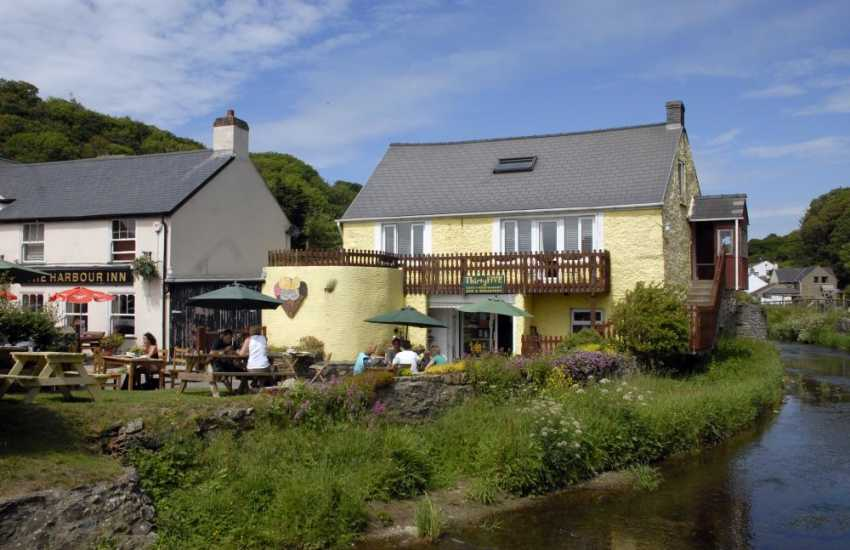 On the Solva River, Number 35 serves mouth watering ice creams and delicious homemade cakes