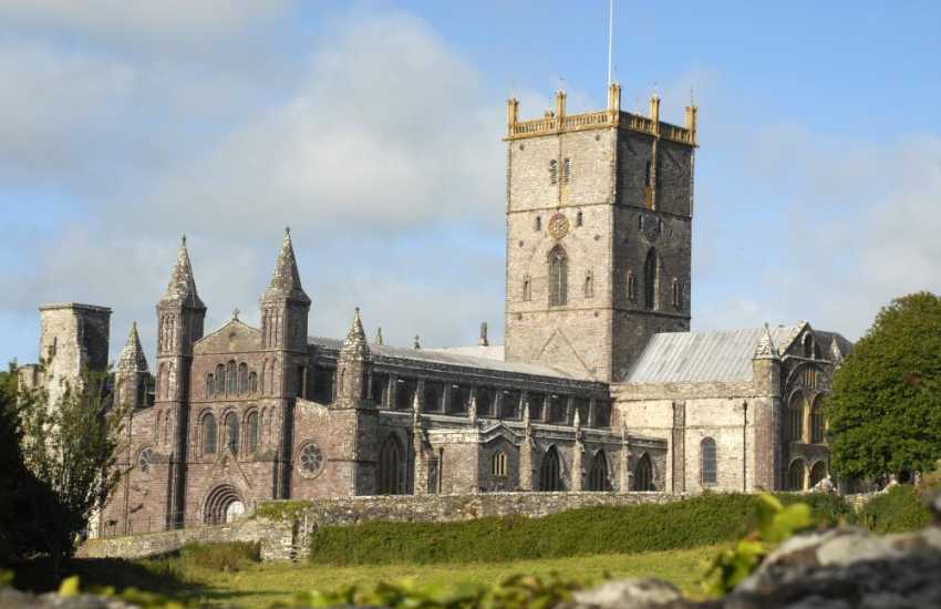St Davids - Britain's smallest city with a magnificent Cathedral, ruined Bishops Palace, a variety of places to eat and interesting little shops in which to browse
