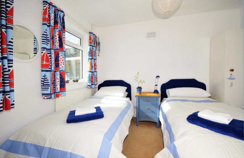 Porth Eilian bay holiday bungalow - twin bedroom sleeps 6
