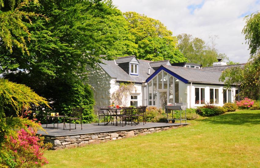 Cae'r Meddyg Farmhouse & Annexe