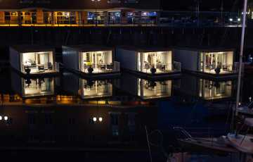Pomh Floatel Cabins At Night 0035