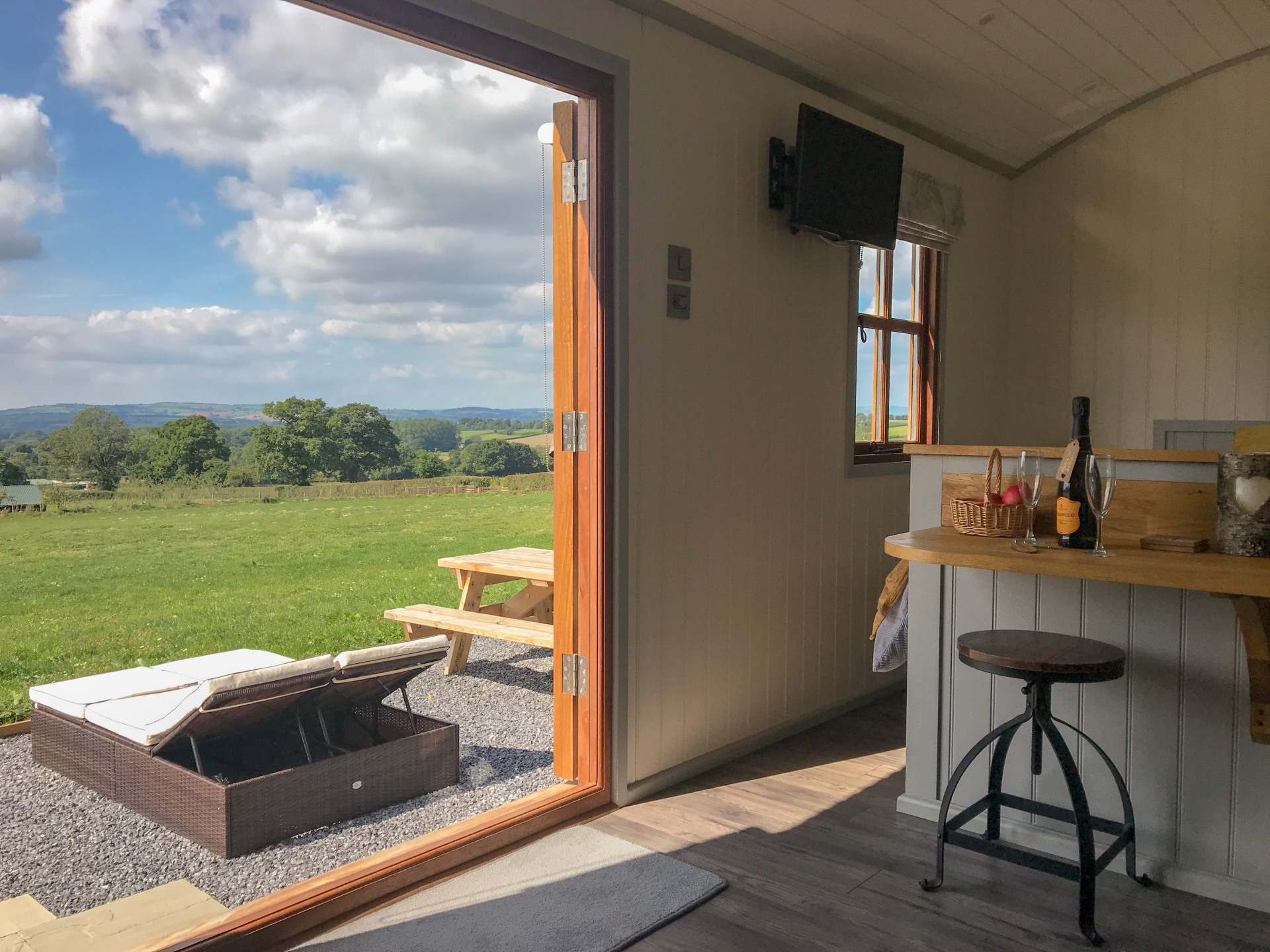Shepherds Bliss | Glamping Shepherds Huts And Wagons in