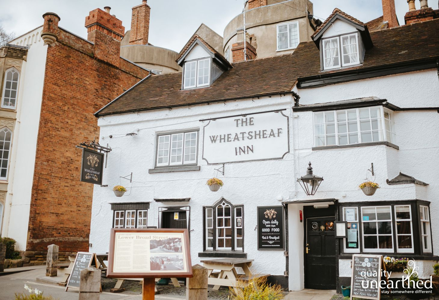 The Wheatsheaf Inn and Pub in Ludlow, only 6 miles from the geodome