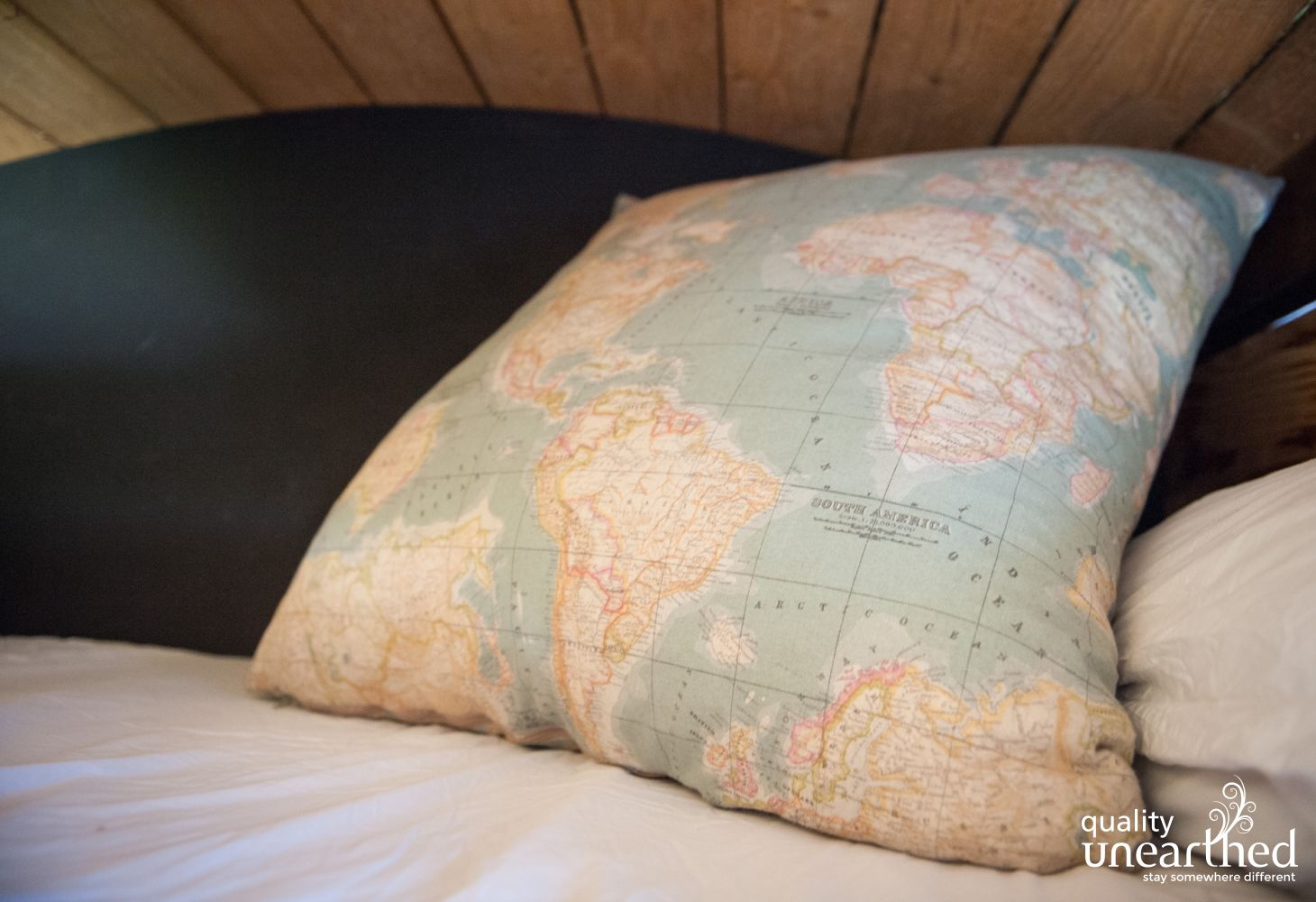 7062 Map Cushion