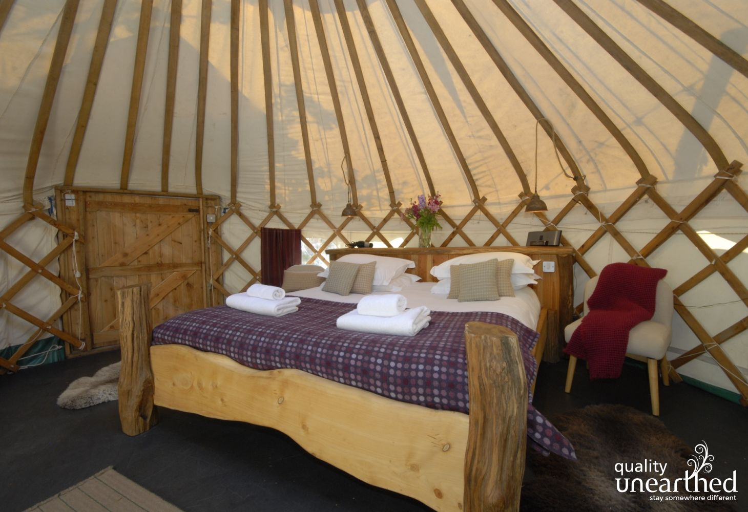 Ingli yurt in Newport