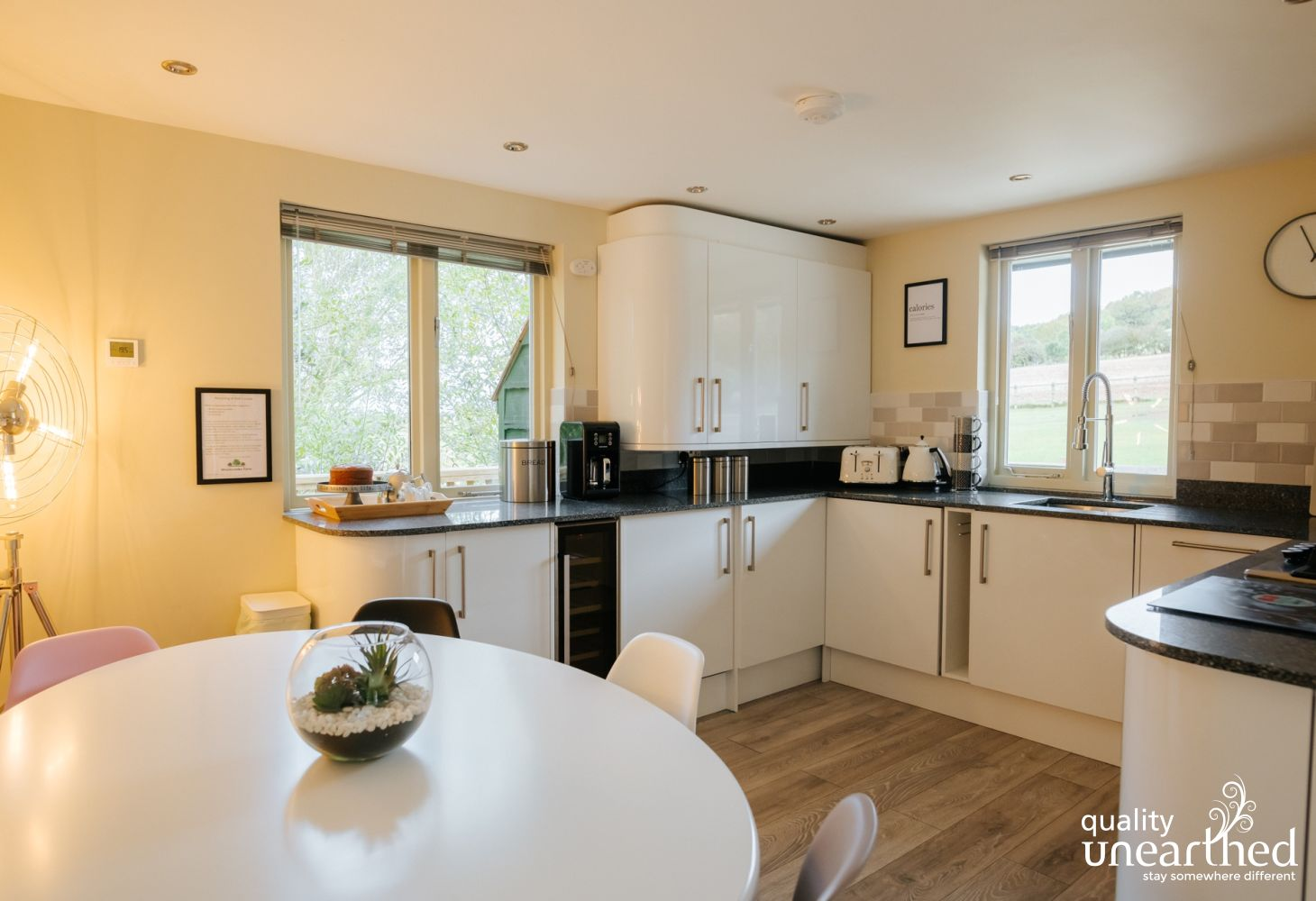 The fully fitted kitchen has all you could need