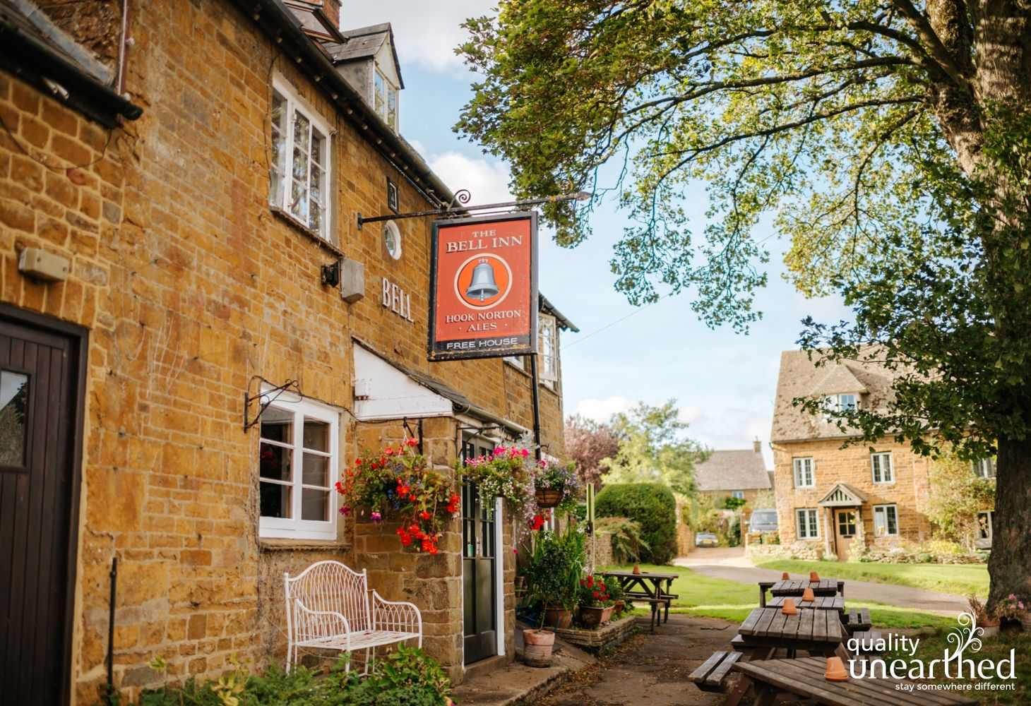 Shennington Pub is only 5 mins drive away