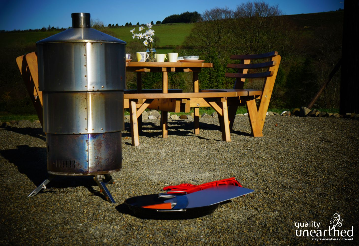 Let's Glamp Retro Queen in Ceredigion