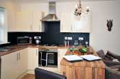 Conwy walled town holiday cottage - kitchen