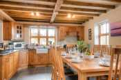 Pet friendly holiday cottage North Wales - kitchen