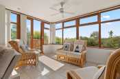 Pembrokeshire beach holiday for 8 pet friendly - lounge/sunroom