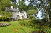 North Pembrokeshire waterside holiday cottage - pets welcome