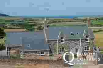 Aberdaron luxury holiday house - ext
