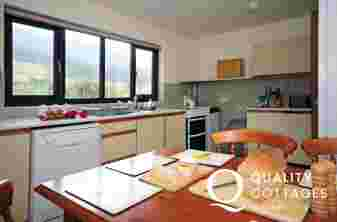 Holiday cottage north wales - kitchen
