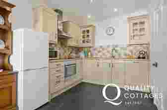 Shaker Cream Kitchen with Slate floor