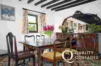 Broad Haven holiday cottage - open plan lounge/diner