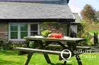 Cottage on Offa's Dyke - picnic bench