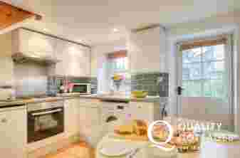 Self-catering holiday cottage near Laugharne Castle - modern kitchen/diner