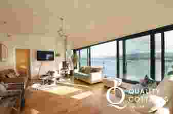 Anglesey luxury holiday house - lounge