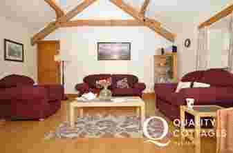 Holiday cottage with hot tub - lounge