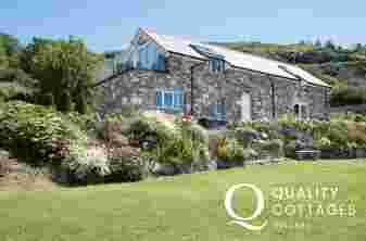 Luxury holiday cottage welsh coast - exterior