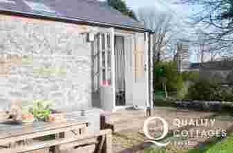 Cottage holiday Bosherston - ext