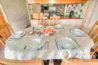 Pembrokeshire self catering apartment - dining