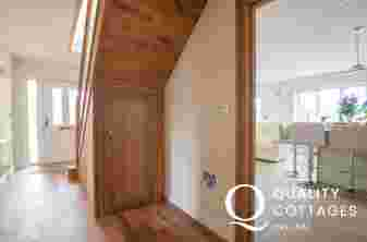 Four Mile Bridge, Anglesey pet friendly holiday house, sleeps nine - hallway.